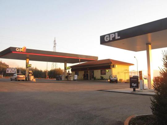 costruzione distributore carburante piglio