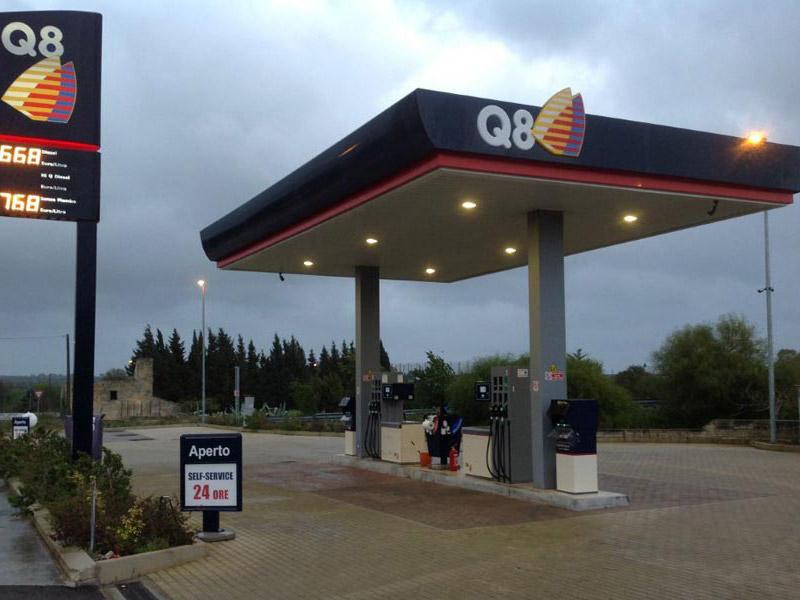 costruzione distributore carburante tricase